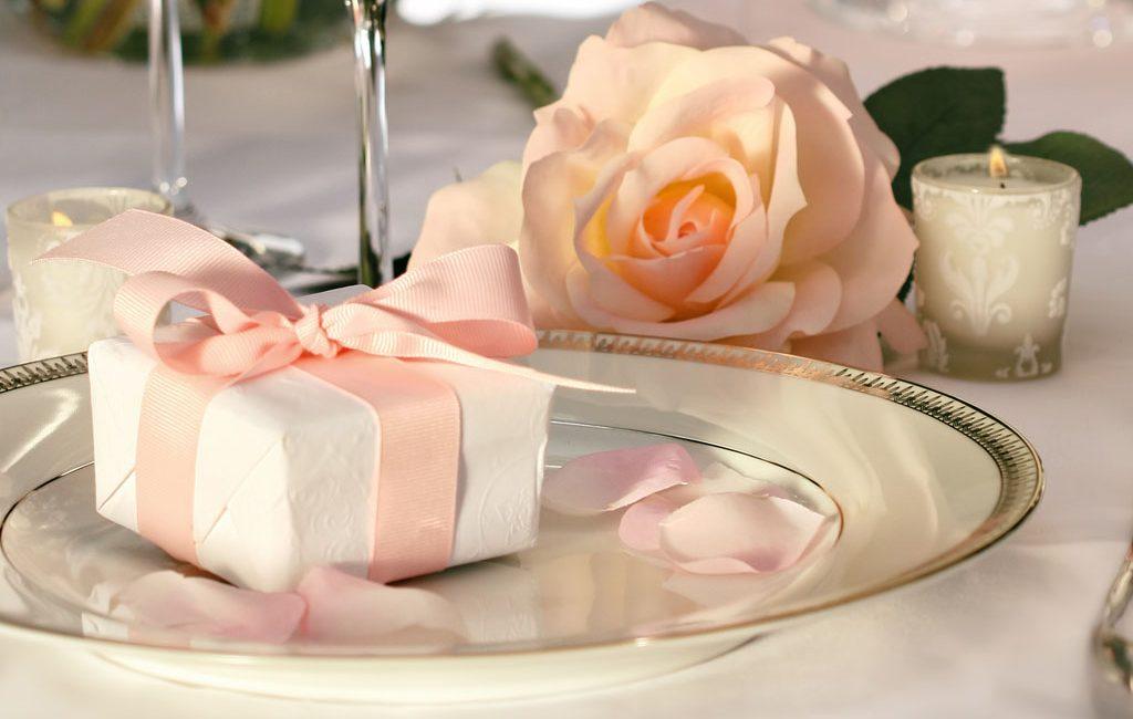 Elegant Wedding Gifts