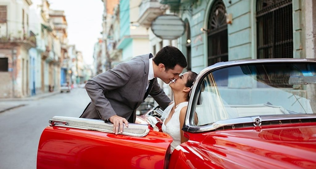 Choosing The Perfect Classic Car Rental For Your Vintage-Themed Wedding